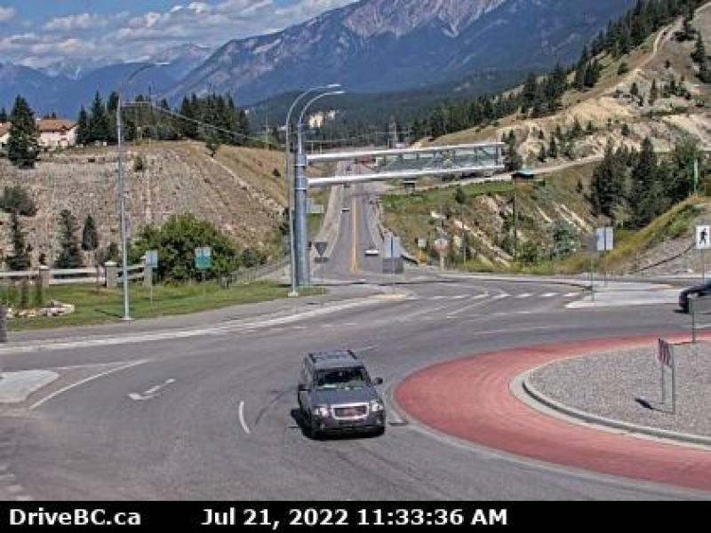 Radium Hot Springs Cam - East